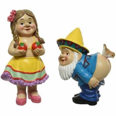 Vunzige tuinkabouters man en vrouw tuinbeelden 16 cm van polystone