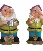 2x tuindecoratie beeldjes kabouters dwergen 25 cm paars tuinkabouter 10112044