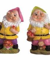2x tuindecoratie beeldjes kabouters dwergen 25 cm roze groen tuinkabouter