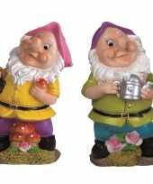 2x tuindecoratie beeldjes kabouters dwergen 25 cm roze paars tuinkabouter